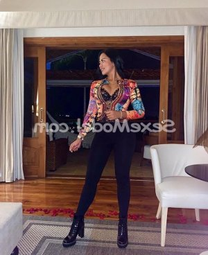 Hajjar escort girl lovesita dans le Doubs