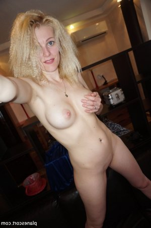 Lilas-rose escorte girl massage naturiste lovesita