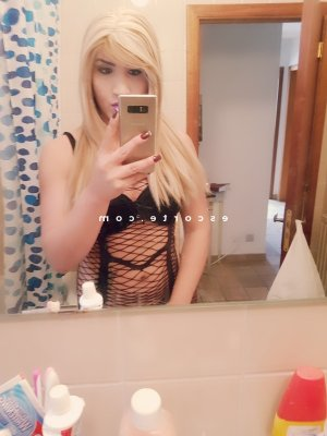 Macy escort girl lovesita